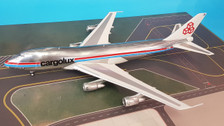 IF742CV1018P | InFlight200 1:200 | LX-DCV Cargolux Boeing 747-2R7F/SCD (with stand)