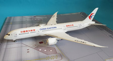 IF789MU001 | InFlight200 1:200 | Boeing 787-9 China Eastern B-206K (with stand)