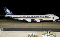 PH04244 | Phoenix 1:400 | Boeing 747-400F Singapore Airlines Cargo 9V-SFP | is due: February 2019