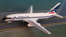 WB732DL0519P | Blue Box 1:200 | Boeing 737-200 Delta N315DL (with stand)
