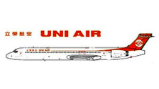 D2UIA913 | Dream Air 1:200 | McDonnell Douglas MD-90 UNI Air B-17913 (with stand), 120pcs | is due: August 2019