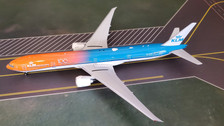 PH11563 | Phoenix 1:400 | Boeing 777-300ER KLM orange PH-BVA