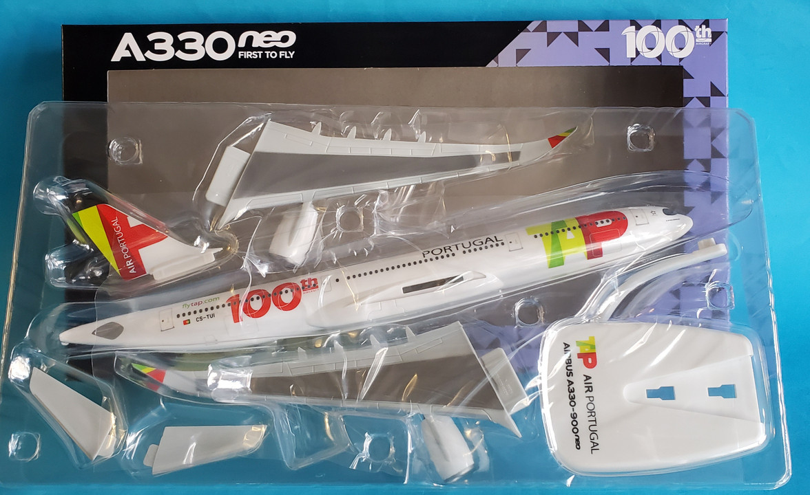 1//200 Herpa SnapFit CSA Czech Airlines Airbus A330-300 609845-001