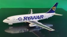 B-732-RA-01 | Blue Box 1:200 | Boeing 737-200 Ryanair EI-CKS (with stand)