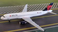 AC419615   Aero Classics 1:400   Airbus A320 Delta N378NW