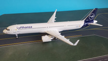 JF-A321-002 | JFox Models 1:200 | Airbus A321-271NX Lufthansa D-AZAM (with stand)
