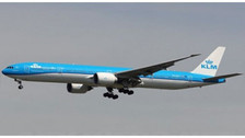 AV4065 | Aviation 400 1:400 | Boeing 777-300ER KLM PH-BVA | is due: November 2019