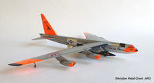 SSC392 | Sky Classics 1:200 | NB-52 Stratofortress USAF 20003, 'Day-Glo' (with magnetic X-15 66671)
