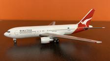 AC419653 | Aero Classics 1:400 | Boeing 767-200 Qantas Airways VH-EAO
