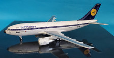 B-310-0718 | Blue Box 1:200 | Airbus A310-203 Lufthansa D-AICB (with stand)