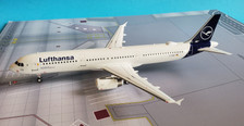 JF-A321-001 | JFox Models 1:200 | Airbus A321-131 Lufthansa D-AIRK (with stand) | is due: April 2020