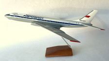 AB42477 | Custom Made Desktop Models 1:100 | Tupolev TU-104A Aeroflot RA-42477 (with stand) no undercarriage