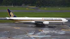 PH04330 | Phoenix 1:400 | Boeing 777-300ER Singapore 9V-SNC  | is due: August 2020