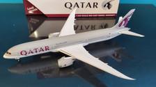 GJQTR1915 | Gemini Jets 1:400 1:400 | Boeing 787-9 Qatar Airways A7-BHA (flaps up)