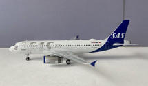 JF-A320-033 | JFox Models 1:200 | Airbus A320-232 SAS OY-KAM (with stand)
