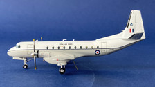 SWXS597 | Small World 1:200 | Hawker Siddeley Andover C.1 32 Squadron XS597