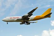 PH04342 | Phoenix 1:400 | Boeing 747-400F Air HK/DHL B-HUR | is due: October 2020