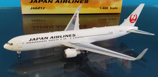PH04346   Phoenix 1:400   Boeing 767-300ER JAL JA621J