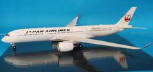 B-JAL-359-05 | Blue Box 1:200 | Airbus A350-941 Japan Airlines JA05XJ (with stand)