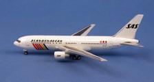 AC419829 | Aero Classics 1:400 | Boeing 767-200 SAS SE-DKP