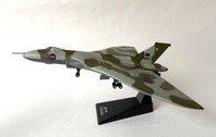 MAGJK01 | Miscellaneous 1:144 | Avro Vulcan RAF XM607 The Falklands Bomber