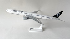 PP-ANZ-773 | Herpa Snap-Fit (Wooster) 1:200 | Boeing 777-300 Air New Zealand