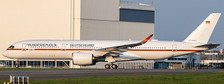 LH4246A   JC Wings 1:400   Airbus A350-900ACJ German Air Force 10+01 flaps down   is due: May 2021
