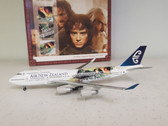 560894 Herpa Wings 1:400 Boeing 747-400 Air New Zealand 'Lord of the Rings - Frodo' ZK-NBV