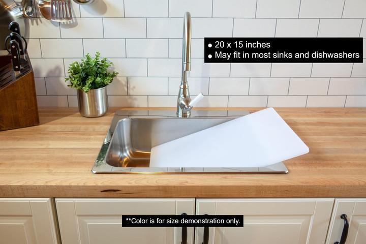 Plastic cutting board 20 x 15