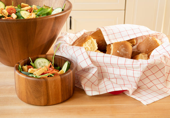 Small salad bowl from Villa Acacia