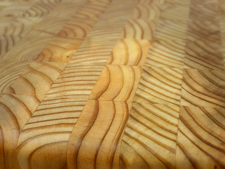 "Larch Wood Square Cutting Board 14"" x 14"" x 2""  Grain Closeup"