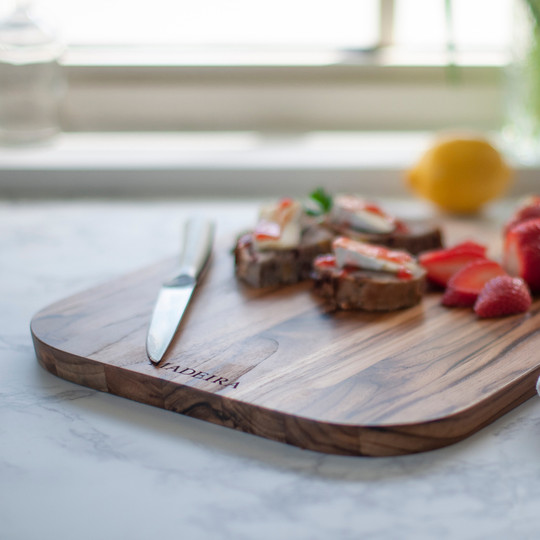 Madeira Teak Medium Cutting Board