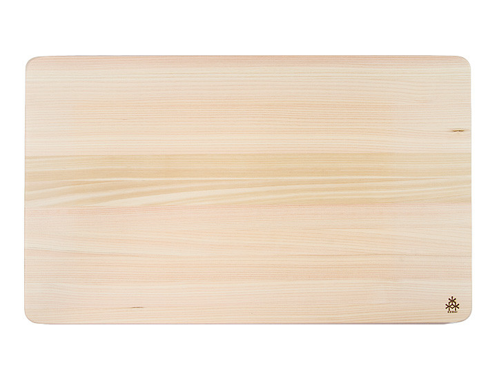 Large hinoki cutting board by Kodai, top view