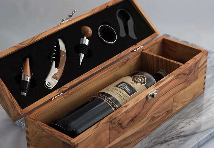 Olive Wood Wine Box With Five Piece Gift Set