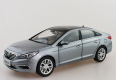 1/18 Dealer Edition 9th Gen Hyundai Sonata (Silver Grey)