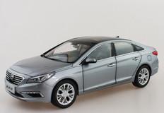 1/18 Dealer Edition 9th Gen Hyundai Sonata (Silver Grey)