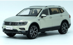 1/18 Dealer Edition 2017 Volkswagen VW Tiguan (Silver)