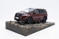 1/18 Dealer Edition Ford Edge