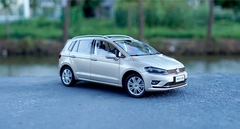 1/18 Dealer Edition 2018 Volkswagen VW Sportsvan (Champagne)
