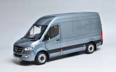 1/18 Dealer Edition Mercedes-Benz Sprinter (Blue) Diecast Model