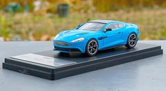 1/43 Dealer Edition Aston Martin Vanquish (Blue) Diecast Model