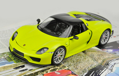 1/18 Minichamps Porsche 918 Spyder Weissach Package (Yellow) Diecast Model