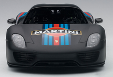 1/18 AUTOART PORSCHE 918 SPYDER WEISSACH PACKAGE (BLACK/MARTINI LIVERY) Diecast Model 77929
