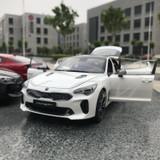 1/18 Dealer Edition Kia Stinger Korean Version (White) Diecast Model