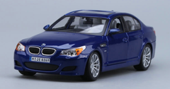 1/18 Maisto BMW M5 E60 (Blue) Diecast Model