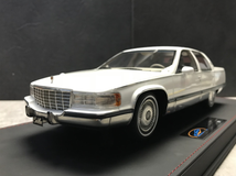 RARE 1/18 VAV 1993 Cadillac Fleetwood Brougham (White) Resin Car Model