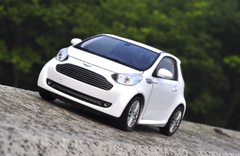1/24 Welly FX Aston Martin Cygnet (White) Diecast Car Model