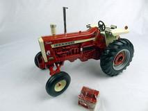 1/16 ERTL Farmall 1206 Turbo Tractor Diecast Car Model