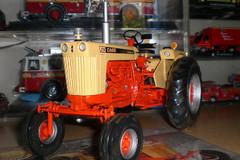 1/16 Ertl Case 930 Comfort King Tractor Diecast Model