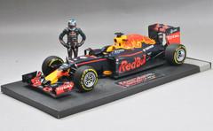 1/18 MINICHAMPS Formula 1 F1 RED BULL RACING TAG HEUER RB12 - DANIEL RICCIARDO - AUSTRIAN GP 2016 - /W FIGURINE L.E. LIMITED 250